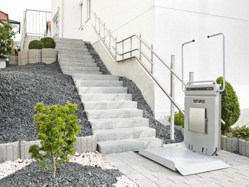 Plattformlift-Schraegaufzug (1)